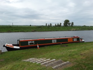 Fox Narrow Boats - UK England Canal Vacation